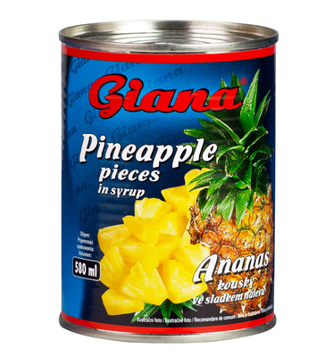 Pineapple pieces in syrup